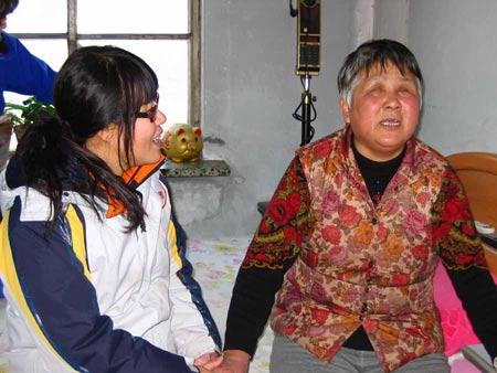 《真情耀中华》志愿者带马鹏飞和奶奶北京圆梦