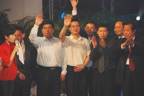 众泰为四川地震灾区捐赠价值120多万元的轿车
