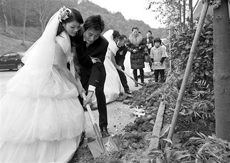 喜结良缘10对四川灾区新人举行集体婚礼